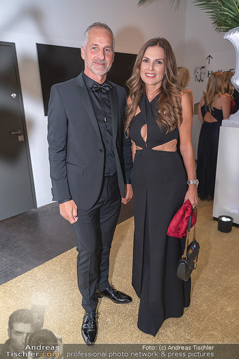 Duftstars Awards Gala - MQ Halle E, Wien - Do 02.09.2021 - Bettina ASSINGER mit Ehemann Achim WENINGER53