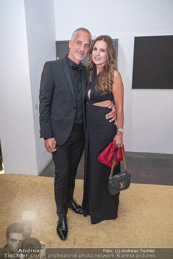 Duftstars Awards Gala - MQ Halle E, Wien - Do 02.09.2021 - Bettina ASSINGER mit Ehemann Achim WENINGER55