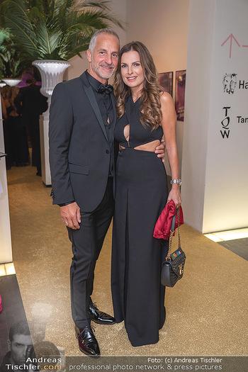 Duftstars Awards Gala - MQ Halle E, Wien - Do 02.09.2021 - Bettina ASSINGER mit Ehemann Achim WENINGER56