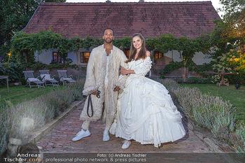 Rencontre a la campagne - Gery Keszlers Bauernhof, Burgenland - Sa 04.09.2021 - Cesar SAMPSON mit Freundin Frederica KURTULIKOVA27