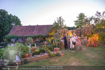 Rencontre a la campagne - Gery Keszlers Bauernhof, Burgenland - Sa 04.09.2021 - Eindrücke vom Fest am Bauernhof in der Abendsonne29