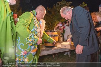 Rencontre a la campagne - Gery Keszlers Bauernhof, Burgenland - Sa 04.09.2021 - Gery KESZLER, Kardinal Christoph SCHÖNBORN70