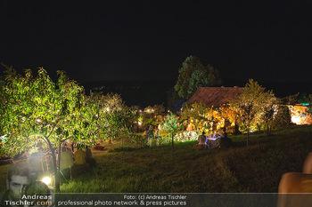 Rencontre a la campagne - Gery Keszlers Bauernhof, Burgenland - Sa 04.09.2021 - Bauernhaus, Bauernhof, nächtlich Beleuchtet, Ambiente, Dekorati84