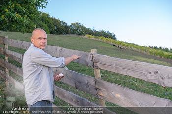 Besuch bei Gery Keszler - Bauernhof, Südburgenland - Sa 04.09.2021 - Gery KESZLER bei seinen Schafen, Schafweide20