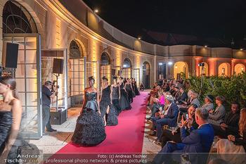 Runway Fashion Day - Schloss Schönbrunn, Wien - Di 07.09.2021 - Modenschau mit Publikum im Freien, Red Carpet, Models1