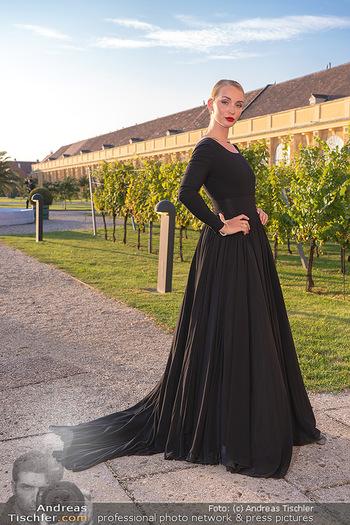 Runway Fashion Day - Schloss Schönbrunn, Wien - Di 07.09.2021 - Model mit CIRO Schmuck5