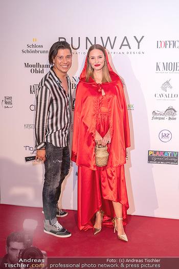 Runway Fashion Day - Schloss Schönbrunn, Wien - Di 07.09.2021 - Julia FURDEA, Alexis F. GONZALEZ20