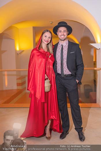 Runway Fashion Day - Schloss Schönbrunn, Wien - Di 07.09.2021 - Julia FURDEA mit Christian23