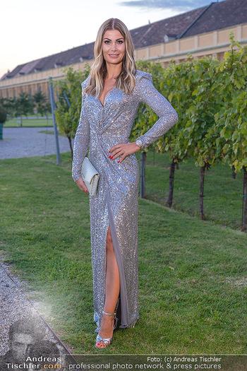 Runway Fashion Day - Schloss Schönbrunn, Wien - Di 07.09.2021 - Carmen KNORR (STAMBOLI)50