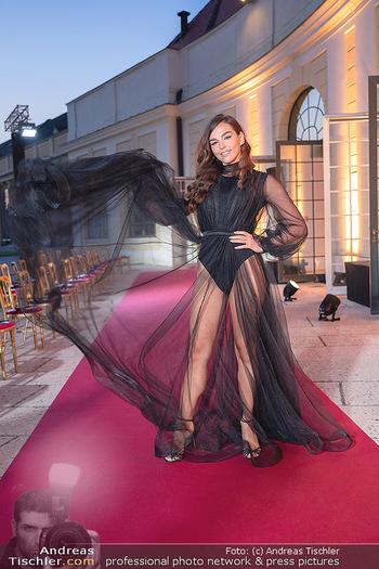 Runway Fashion Day - Schloss Schönbrunn, Wien - Di 07.09.2021 - Lili PAUL-RONCALLI55