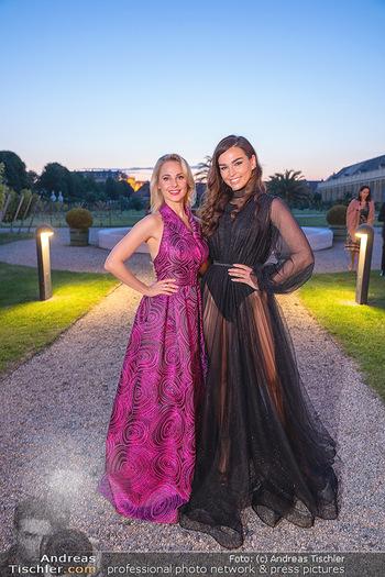 Runway Fashion Day - Schloss Schönbrunn, Wien - Di 07.09.2021 - Silvia SCHNEIDER, Lili PAUL-RONCALLI78