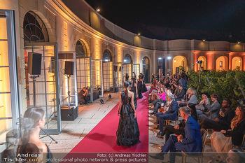 Runway Fashion Day - Schloss Schönbrunn, Wien - Di 07.09.2021 - Modenschau mit Publikum im Freien, Red Carpet, Models98