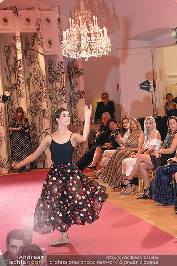 Runway Fashion Day - Schloss Schönbrunn, Wien - Di 07.09.2021 - Maria YAKOVLEVA100