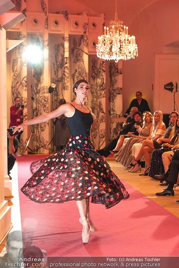 Runway Fashion Day - Schloss Schönbrunn, Wien - Di 07.09.2021 - Maria YAKOVLEVA101