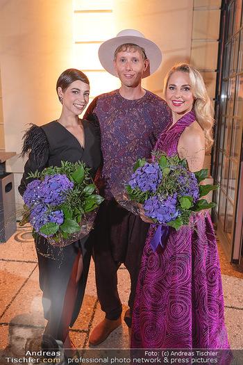 Runway Fashion Day - Schloss Schönbrunn, Wien - Di 07.09.2021 - Maria YAKOVLEVA mit Freund Rene MUC, Silvia SCHNEIDER117