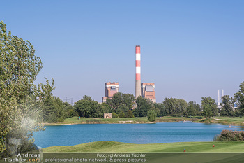Promi Golfturnier - Diamond Country Club Atzenbrugg, NÖ - Mi 08.09.2021 - AKW Zwentendorf, Natur, Golfplatz im Vordergrund, Wasser, See, T16