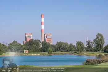 Promi Golfturnier - Diamond Country Club Atzenbrugg, NÖ - Mi 08.09.2021 - AKW Zwentendorf, Natur, Golfplatz im Vordergrund, Wasser, See, T17