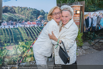 Mikl-Leitner Heurigenempfang - Der Fuchs Heuriger, Maria Enzersdorf - Do 09.09.2021 - Waltraud HAAS, Johanna MIKL-LEITNER17