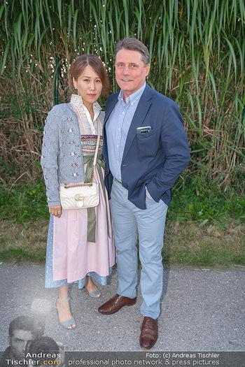 Mikl-Leitner Heurigenempfang - Der Fuchs Heuriger, Maria Enzersdorf - Do 09.09.2021 - Christian SPATZEK mit Ehefrau Sun Young36