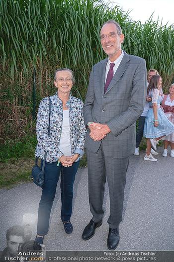Mikl-Leitner Heurigenempfang - Der Fuchs Heuriger, Maria Enzersdorf - Do 09.09.2021 - Heinz FAßMANN (FASSMANN) mit Ehefrau Sigrid47