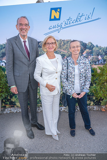 Mikl-Leitner Heurigenempfang - Der Fuchs Heuriger, Maria Enzersdorf - Do 09.09.2021 - Johanna MIKL-LEITNER, Heinz FAßMANN (FASSMANN) mit Ehefrau Sigr54