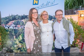 Mikl-Leitner Heurigenempfang - Der Fuchs Heuriger, Maria Enzersdorf - Do 09.09.2021 - Johanna MIKL-LEITNER, Serge FALCK mit Susanne55