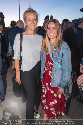 Mikl-Leitner Heurigenempfang - Der Fuchs Heuriger, Maria Enzersdorf - Do 09.09.2021 - Ines SCHWANDNER mit Tochter Lisa70