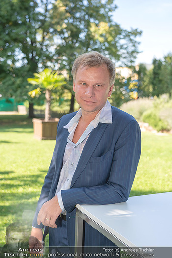ORF Serienmontag Pressetermin - Interspot Filmstudios - Fr 10.09.2021 - Robert STADLOBER (Portrait)38