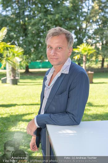 ORF Serienmontag Pressetermin - Interspot Filmstudios - Fr 10.09.2021 - Robert STADLOBER (Portrait)39