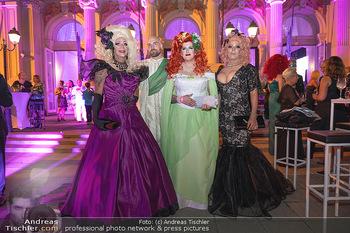 Diversity Ball - Kursalon Hübner, Wien - Sa 11.09.2021 - Verkleidete Personen, Gäste, Transvestiten, vor dem Kursalon1