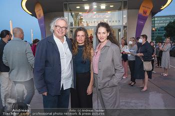 Kinopremiere ´Die Schachnovelle´ - Urania Kino - Mo 13.09.2021 - Danny KRAUSZ mit Tochter Fanny und Noemi7