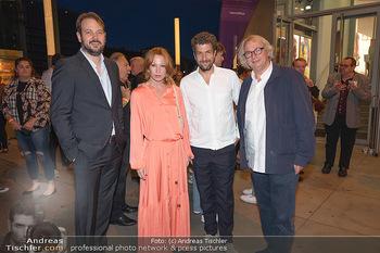 Kinopremiere ´Die Schachnovelle´ - Urania Kino - Mo 13.09.2021 - Birgit MINICHMAYR, Philipp WORM, Danny KRAUSZ, Tobias WALKER21