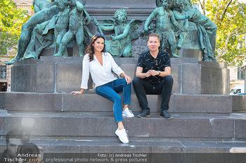 Fototermin Mariella Ahrens - Park hinterm Ritz, Wien - Di 14.09.2021 - Mariella AHRENS, Clemens TRISCHLER bei Beethoven Denkmal8