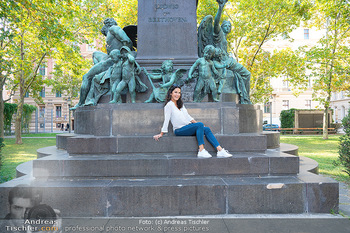 Fototermin Mariella Ahrens - Park hinterm Ritz, Wien - Di 14.09.2021 - Mariella AHRENS bei Ludwig van Beethoven Denkmal13