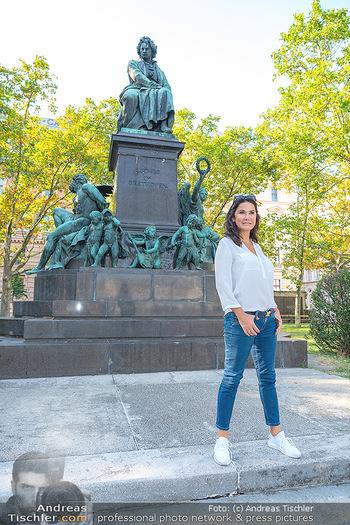 Fototermin Mariella Ahrens - Park hinterm Ritz, Wien - Di 14.09.2021 - Mariella AHRENS bei Ludwig van Beethoven Denkmal17