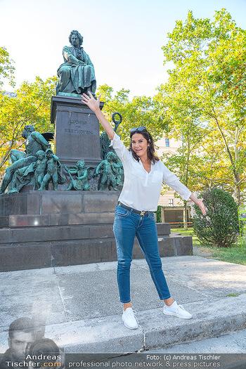 Fototermin Mariella Ahrens - Park hinterm Ritz, Wien - Di 14.09.2021 - Mariella AHRENS bei Ludwig van Beethoven Denkmal19