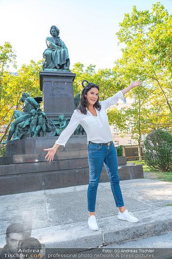Fototermin Mariella Ahrens - Park hinterm Ritz, Wien - Di 14.09.2021 - Mariella AHRENS bei Ludwig van Beethoven Denkmal20