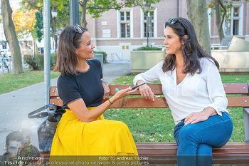 Fototermin Mariella Ahrens - Park hinterm Ritz, Wien - Di 14.09.2021 - Mariella AHRENS interviewt von Romina Colerus28