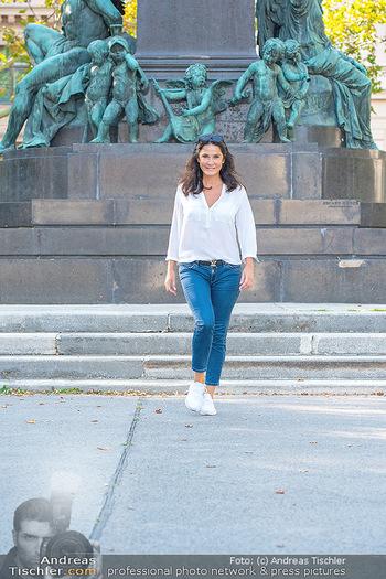 Fototermin Mariella Ahrens - Park hinterm Ritz, Wien - Di 14.09.2021 - Mariella AHRENS bei Ludwig van Beethoven Denkmal29