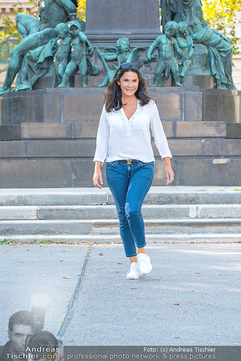 Fototermin Mariella Ahrens - Park hinterm Ritz, Wien - Di 14.09.2021 - Mariella AHRENS bei Ludwig van Beethoven Denkmal30