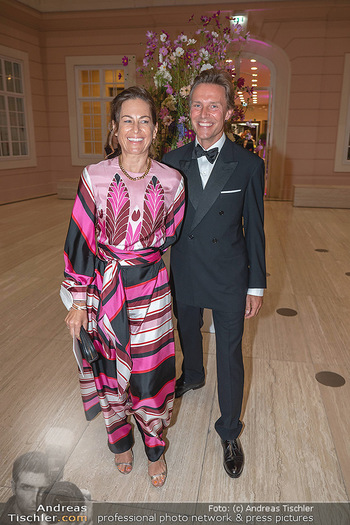 Fundraising Dinner - Albertina, Wien - Di 14.09.2021 - Birgit LAUDA mit neuem Freund Markus SIEBERER1