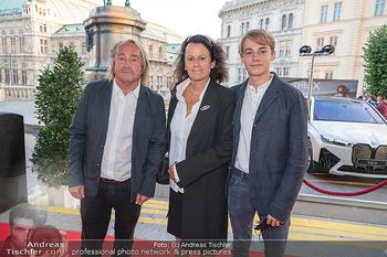 Fundraising Dinner - Albertina, Wien - Di 14.09.2021 - Hubert SCHEIBL mit Ehefrau und Sohn David23