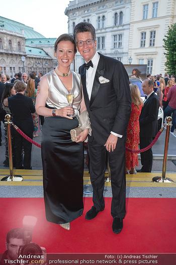 Fundraising Dinner - Albertina, Wien - Di 14.09.2021 - Georg GÜRTLER mit Freundin Eva51