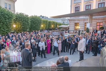 Fundraising Dinner - Albertina, Wien - Di 14.09.2021 - Gäste beim Cocktailempfang, Sommerfest, Terrasse, Publikum66