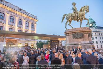 Fundraising Dinner - Albertina, Wien - Di 14.09.2021 - Gäste beim Cocktailempfang, Sommerfest, Terrasse, Publikum75