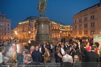 Fundraising Dinner - Albertina, Wien - Di 14.09.2021 - Gäste beim Cocktailempfang, Sommerfest, Terrasse, Publikum85