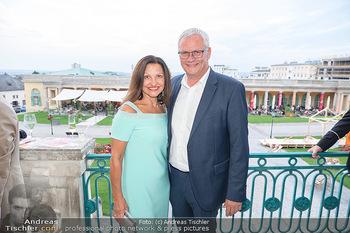 Herbstgold Festival Eröffnung - Schloss Esterhazy, Eisenstadt - Mi 15.09.2021 - Thomas STEINER mit Ehefrau60