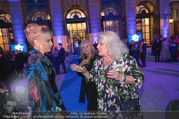 90 Jahre GW Cosmetics - Gartenpalais Liechtenstein, Wien - Do 16.09.2021 - Elina GARANCA, Marika LICHTER93