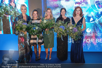 90 Jahre GW Cosmetics - Gartenpalais Liechtenstein, Wien - Do 16.09.2021 - Elina GARANCA, Beatrice COX-RIESENFELDER, Christine REILER, Anna186