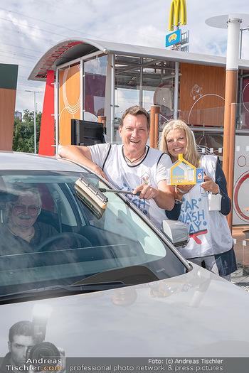 Carwash Day 2021 - McDonalds McDrive 1110 und 1220 Wien - Fr 17.09.2021 - Karin SCHMIDT, Andi Andreas HERZOG11